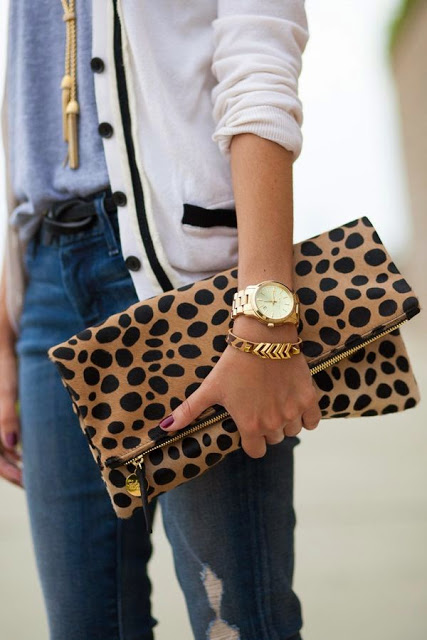 animal-print-clutch-a-vida-como-ela-e
