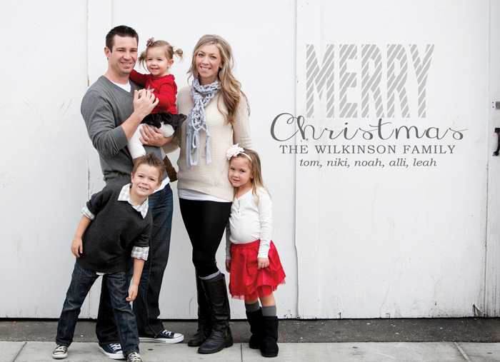 family-christmas-card-iptrn0hh