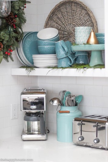Gorgeous-Coastal-Lake-Style-Kitchen-decorated-for-Christmas-at-thehappyhousie.com-21