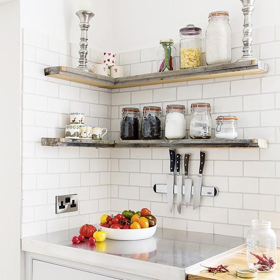 Cozinha-organizada-com-prateleiras