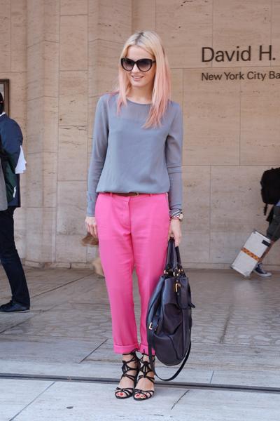 0920-pink-pants-outfit-idea_fa