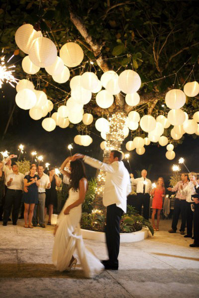 confetti-wedding-trends-for-2013-lanterns-2