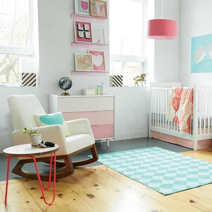 light-pink-room