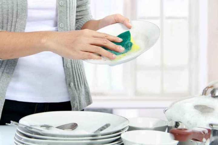 economize-tempo-e-seja-mais-eficiente-ao-lavar-loucas
