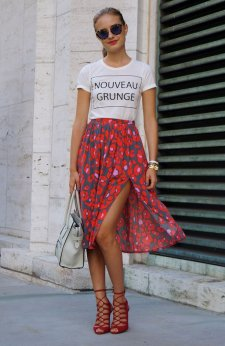 1.-floral-midi-skirt-with-graphic-top