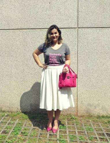 Look-do-dia-saia-Midi-e-camiseta
